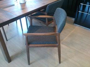 chair01.jpg