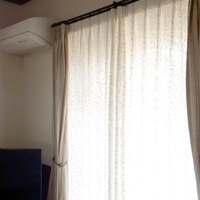 curtainF1.jpg