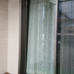 curtainF4.jpg