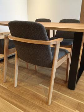 chair02.jpg